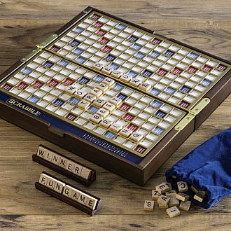 Scrabble Deluxe - Travel Edition