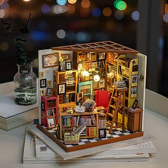 Sam's Study DIY Miniature House