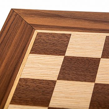 Chess board: 19.5 WalnutOak